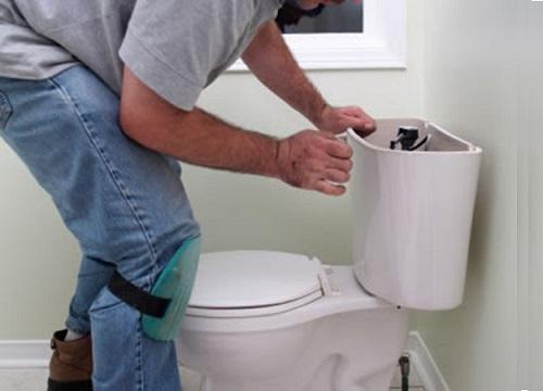 Kết quả hình ảnh cho Cách chỉnh sửa bồn cầu chính hãng tiết kiệm nước nhất