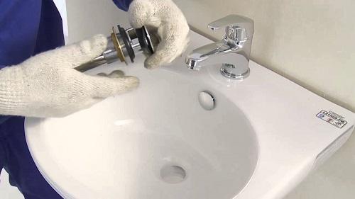 sửa vòi nước bồn rửa mặt
