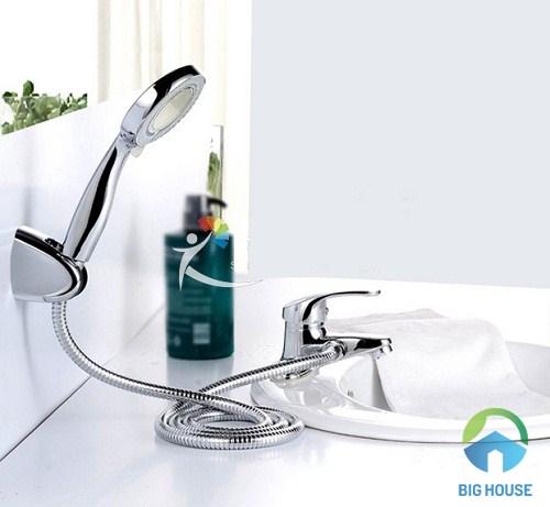 vòi chậu rửa mặt liền sen tắm