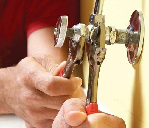 Cách sửa chữa van khóa nước bằng nhựa, đồng đơn giản mà hiệu quả
